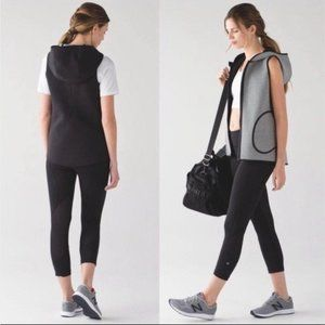Lululemon Insculpt Reversible Hooded Vest, Size 4, Grey and Black